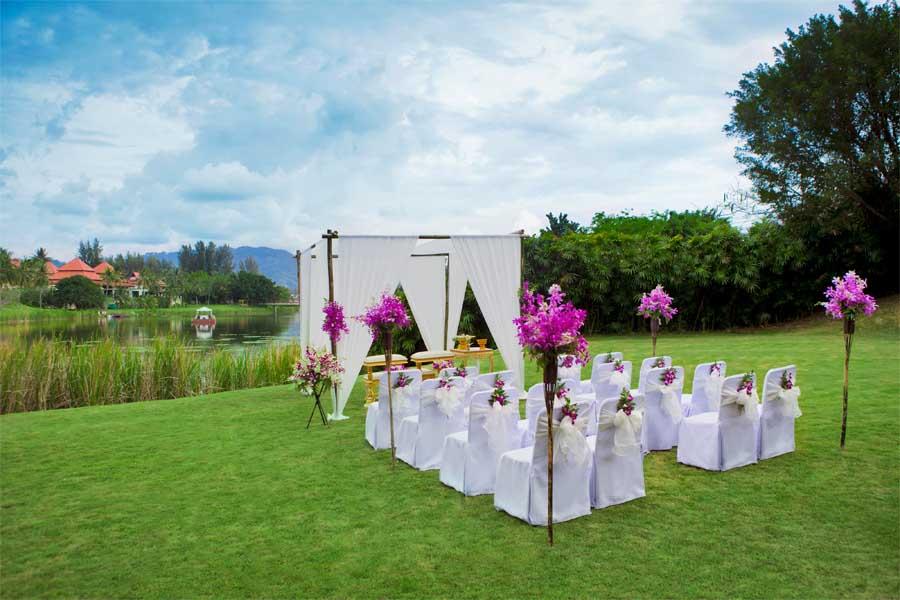 The Lagoon Lawn Wedding - Banyan Tree Phuket -web